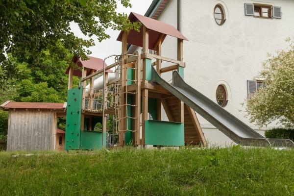 kindergarten-moosen-36FF51038C-C52D-B5DF-1000-EDAD99721EE0.jpg