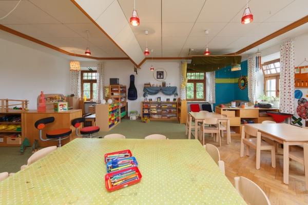 kindergarten-moosen-49B856858A-2B47-9F95-AF64-383723DA1BB2.jpg