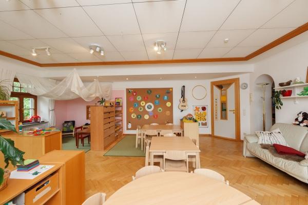 kindergarten-moosen-56AC10FD44-9CCD-F348-B18C-E80EBB848F95.jpg